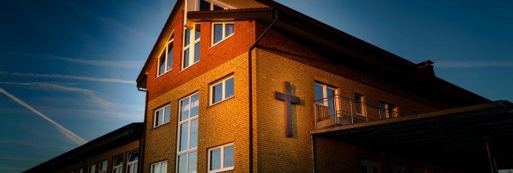 Besuchen Sie unsere Gottesdienste im Gemeindehaus am Dr.-Rörig-Damm 105, 33102 Paderborn